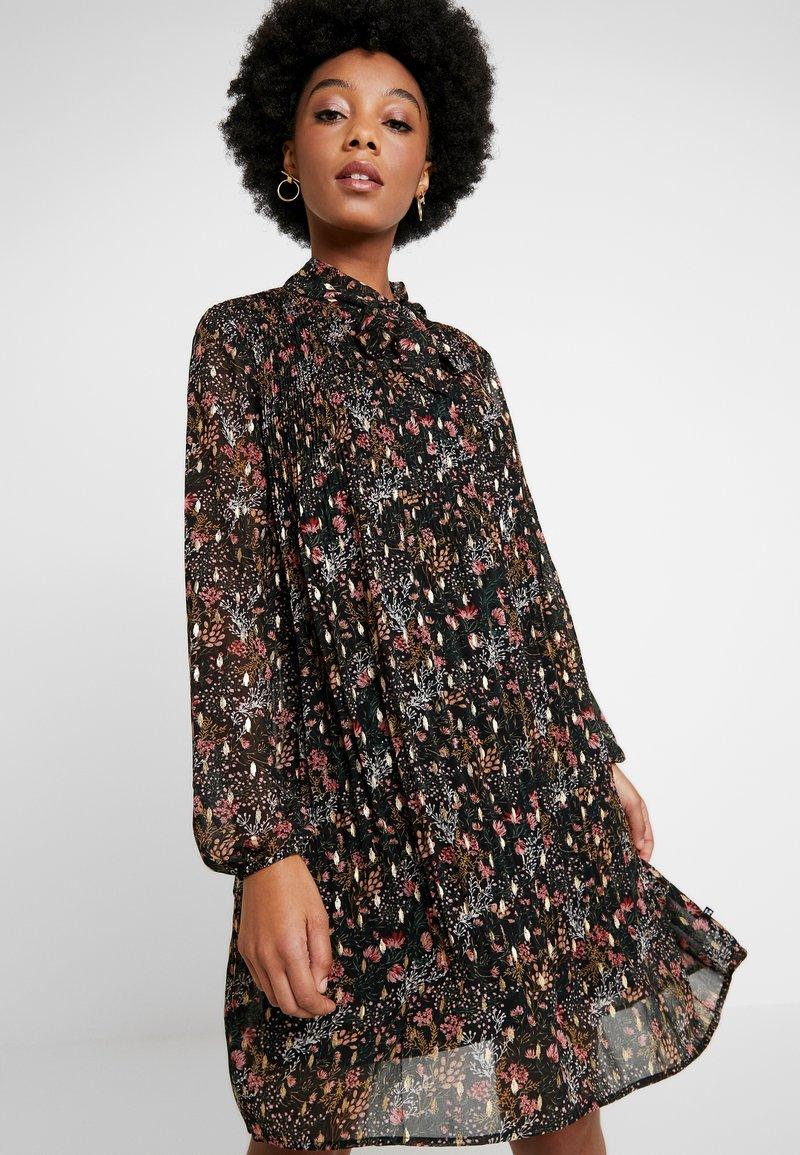 Le Temps Des Cerises - CAMELIA - Day dress - black