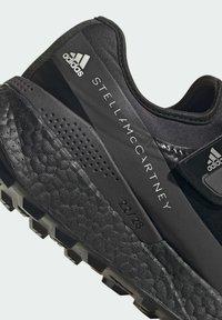 adidas by Stella McCartney - BOOST MACCARTNEY RAN.RDY RUNNING REGULAR SHOES - Zapatillas de trail running - black - 6