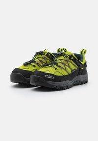 CMP - KIDS RIGEL LOW SHOE WP UNISEX - Hiking shoes - energy jungle - 1