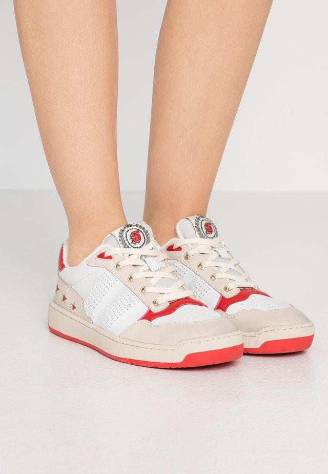 Sneakers - rouge
