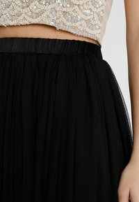 Lace & Beads Petite - VAL SKIRT - Jupe longue - black - 3