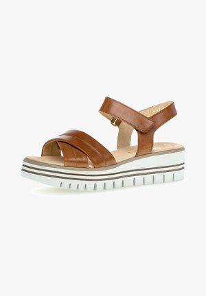 Platform sandals - dark brown