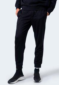 Armani Exchange - Pantaloni sportivi - black - 0