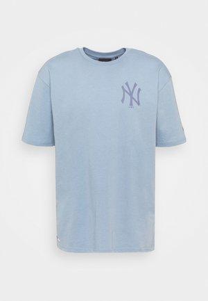 MLB NEW YORK YANKEES OVERSIZED SEASONAL COLOUR  - Club wear - soft blue