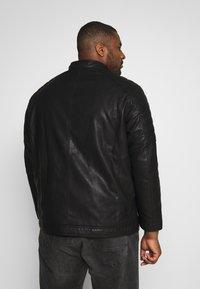 TOM TAILOR MEN PLUS - BIKER JACKET - Faux leather jacket - black - 2