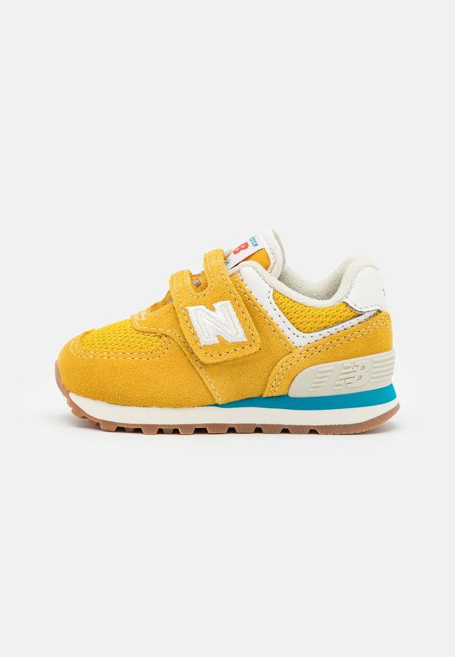 IV574HB2 UNISEX - Sneakers - yellow