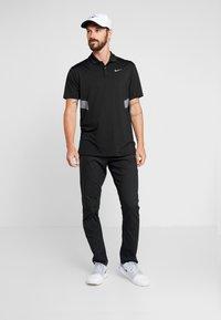 Nike Golf - DRY VAPOR REFLECT - Funktionströja - black/reflective silver - 1