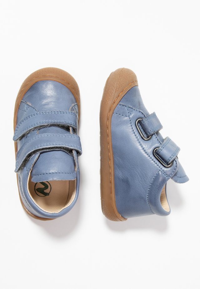 COCOON - Baby shoes - hellblau