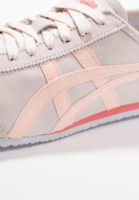 Onitsuka Tiger - MEXICO 66 - Sneakers - blush/breeze - 5