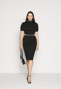 Missguided Plus - MIDAXI SKIRT - Pencil skirt - black - 1