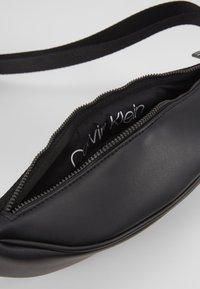 Calvin Klein - CENTRAL WAISTBAG - Rumpetaske - black - 4