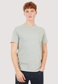 Timberland - BASIC SLIM TEE 3 PACK - Basic T-shirt - grey/white/black - 2