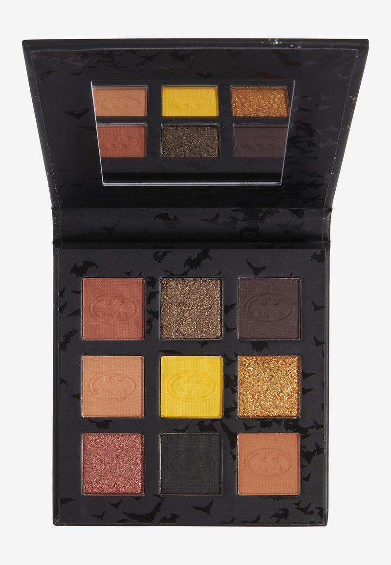 Makeup Revolution - REVOLUTION X BATMAN I AM THE BATMAN SHADOW PALETTE - Eyeshadow palette - multi-coloured