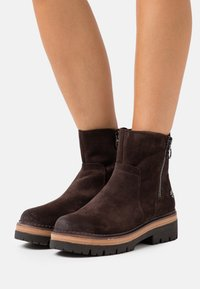Marco Tozzi by Guido Maria Kretschmer - Platform ankle boots - mocca - 0