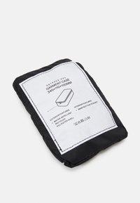ARKET - UNISEX - Kosmetická taška - black - 4
