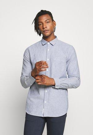 BASIC SHIRT - Shirt - fading indigo