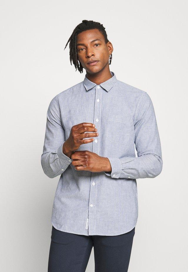 BASIC SHIRT - Camicia - fading indigo
