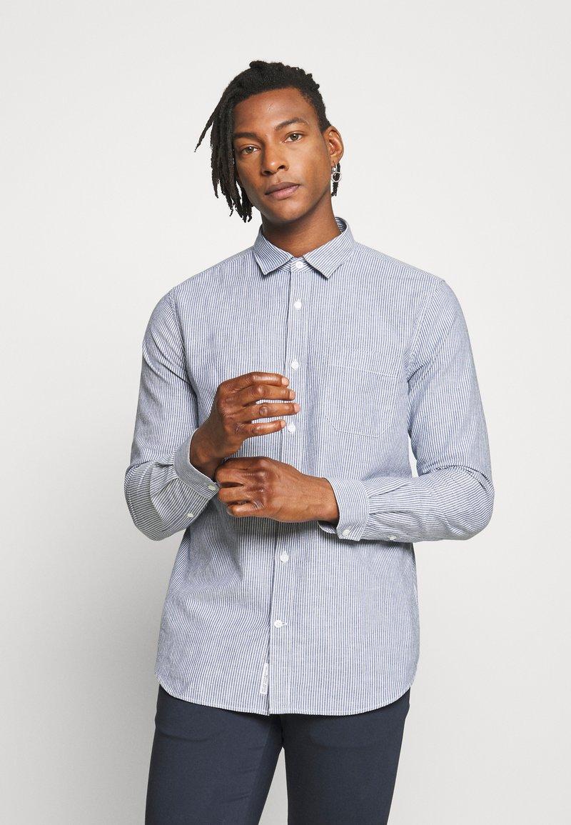 CLOSED - BASIC SHIRT - Shirt - fading indigo