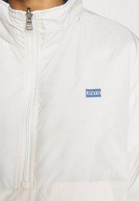 Levi's® - THEA REVERSIBLE  - Winter jacket - white/blue - 9