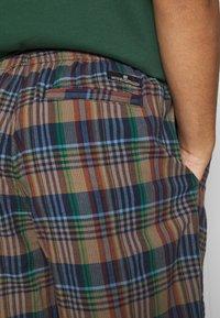 BDG Urban Outfitters - CHECK DRAWSTRING - Shorts - khaki - 5
