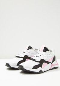 Puma - NOVA 90'S BLOC - Trainers - white/pale pink - 2