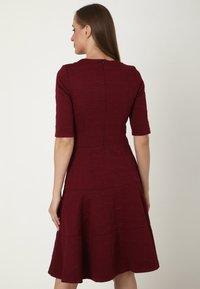 Madam-T - Day dress - weinrot - 2