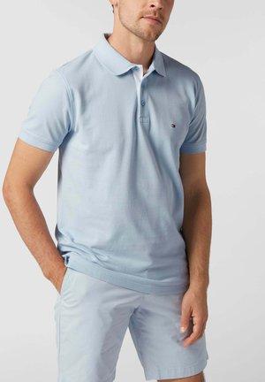 AUS REINER BAUMWOLLE - Polo shirt - hellblau