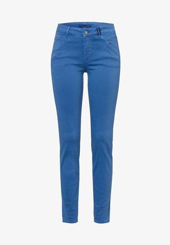 SHAKIRA - Slim fit jeans - clean light blue