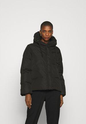 HAUNE - Lehká bunda - black