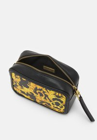 Versace Jeans Couture - LULA CAMERA BAG - Torba na ramię - black - 3