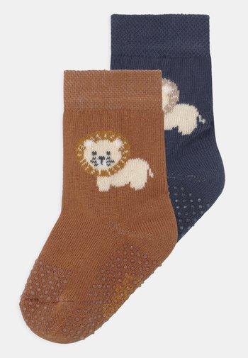 LION 2 PACK - Socks - dark blue/brown