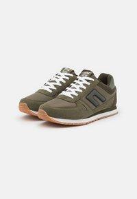 Blend - Sneakersy niskie - dusty olive - 1