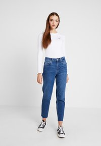 Levi's® - LS BABY TEE - Long sleeved top - white - 2