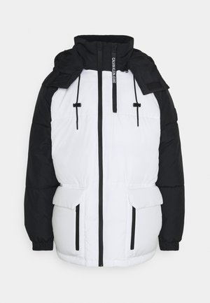 BLOCKING HOODED PUFFER - Zimní bunda - bright white/black