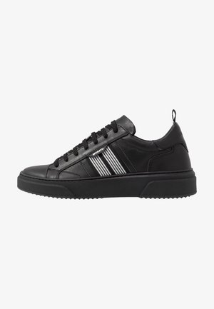 ULMA - Trainers - black