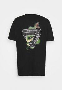 Brave Soul - SCALE - Print T-shirt - black - 1
