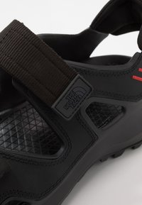 The North Face - M HEDGEHOG SANDAL III - Vaellussandaalit - black/asphalt grey - 5