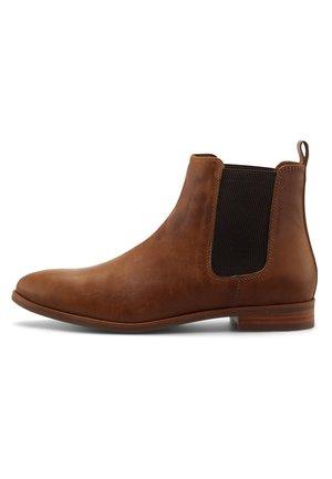 CHELSEA - Ankle boots - mittelbraun