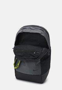 Nike Sportswear - ESSENTIALS UNISEX - Rucksack - iron grey/cyber/black - 2
