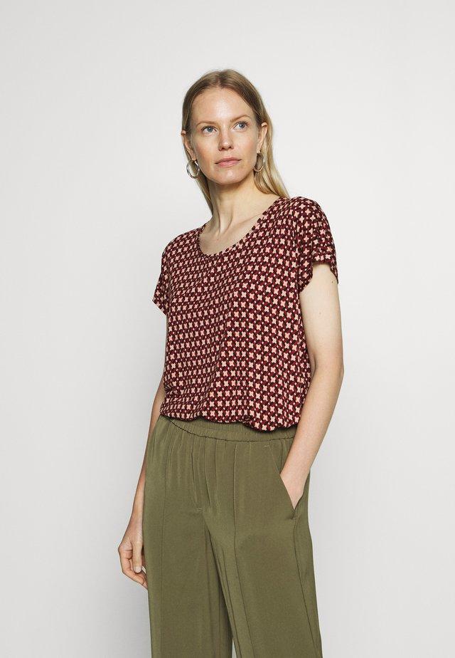 KATINKA - T-shirt print - red