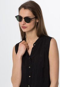 Ray-Ban - CLUBROUND - Sunglasses - black - 1