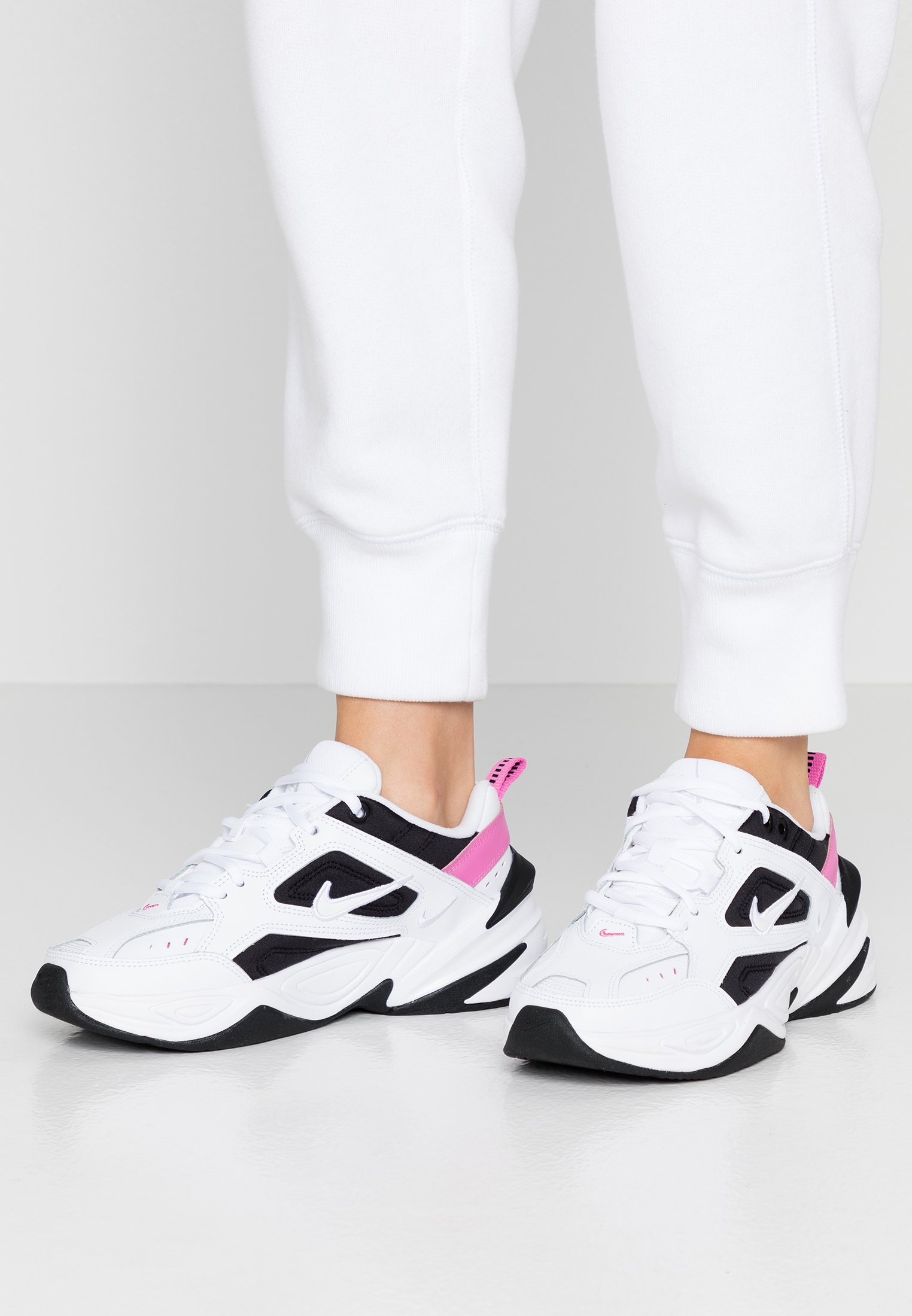M2K TEKNO - Baskets basses - white/china rose/black