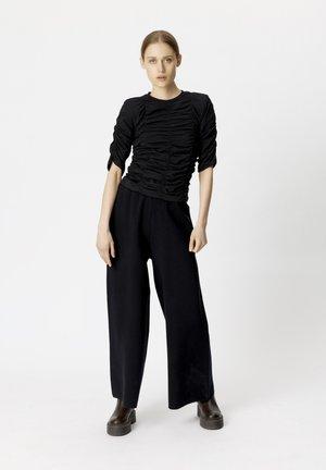 ARIANAGZ  - Print T-shirt - black