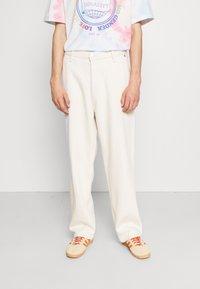 Weekday - GALAXY  - Straight leg jeans - washed ecru - 0