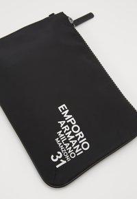 Emporio Armani - Håndtasker - black - 5