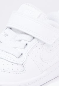 Nike Sportswear - COURT BOROUGH  - Zapatos de bebé - white - 5