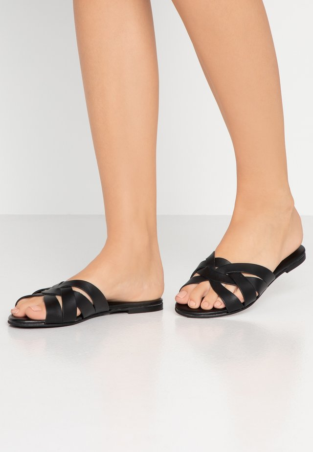 SAFFRON WIDE FIT - Mules - black