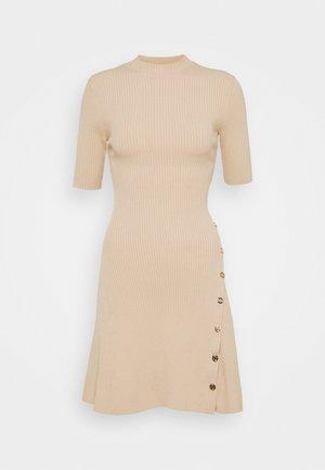 ROSEA - Pletené šaty - beige