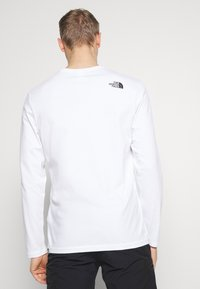 The North Face - MENS GRAPHIC TEE - Langarmshirt - white - 2