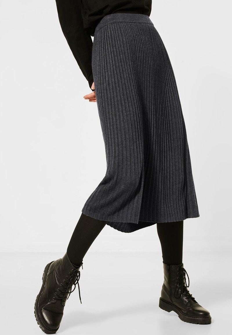 Street One - Pleated skirt - grau